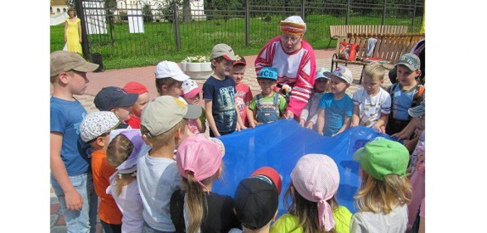 В Озерске продолжается реализация проекта «Территория добра и детства».